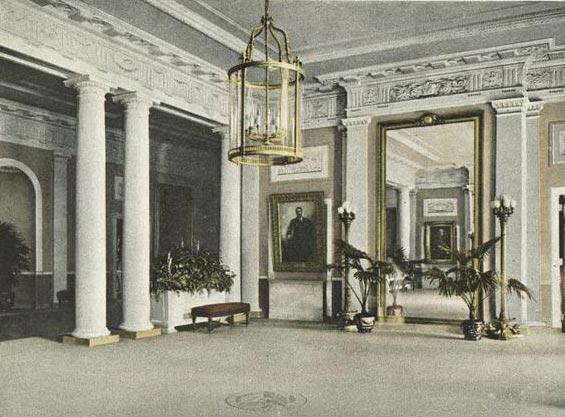Vestibule and Corridor